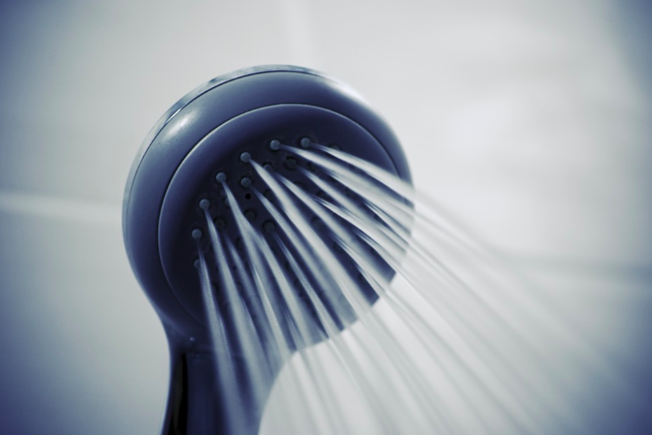 how to clean shower head: shower douche bathroom clean water